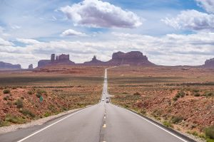 "<span class=""entry-title-primary"">Getting The Shot – Monument Valley</span> <span class=""entry-subtitle"">Tips on a Roadscape Composition</span>"
