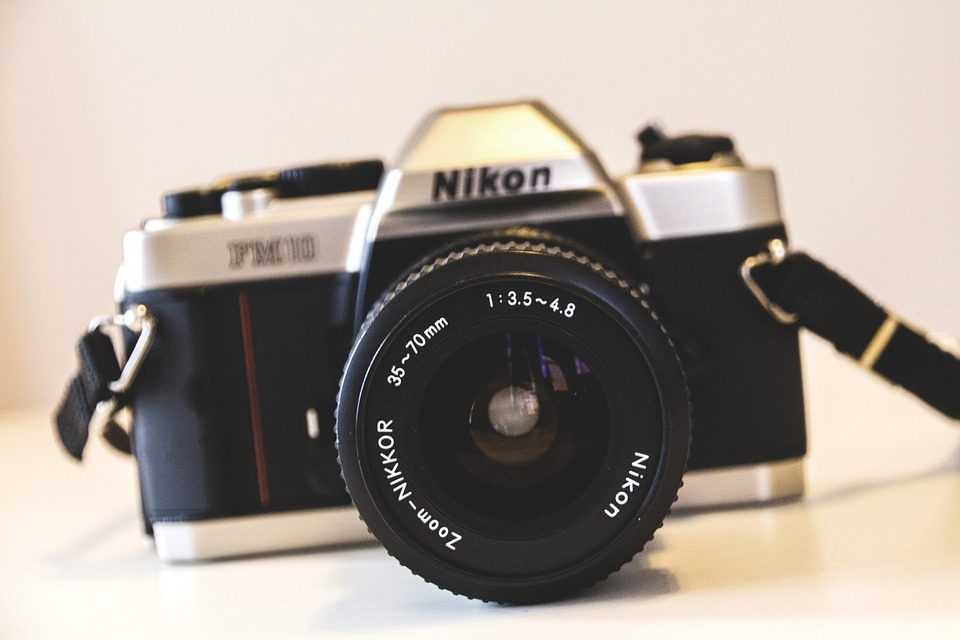 Nikon D3300 vs. D3400 Cameras | Battle of the Full Frame DSLR | Which One Is the Best?
