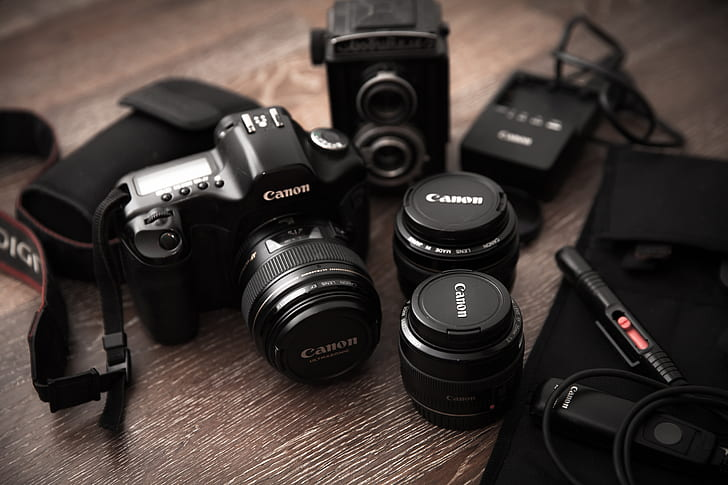 Canon PowerShot G9 X Mark II vs. Sony RX100 IV – A Comprehensive Brand Comparison For 2019