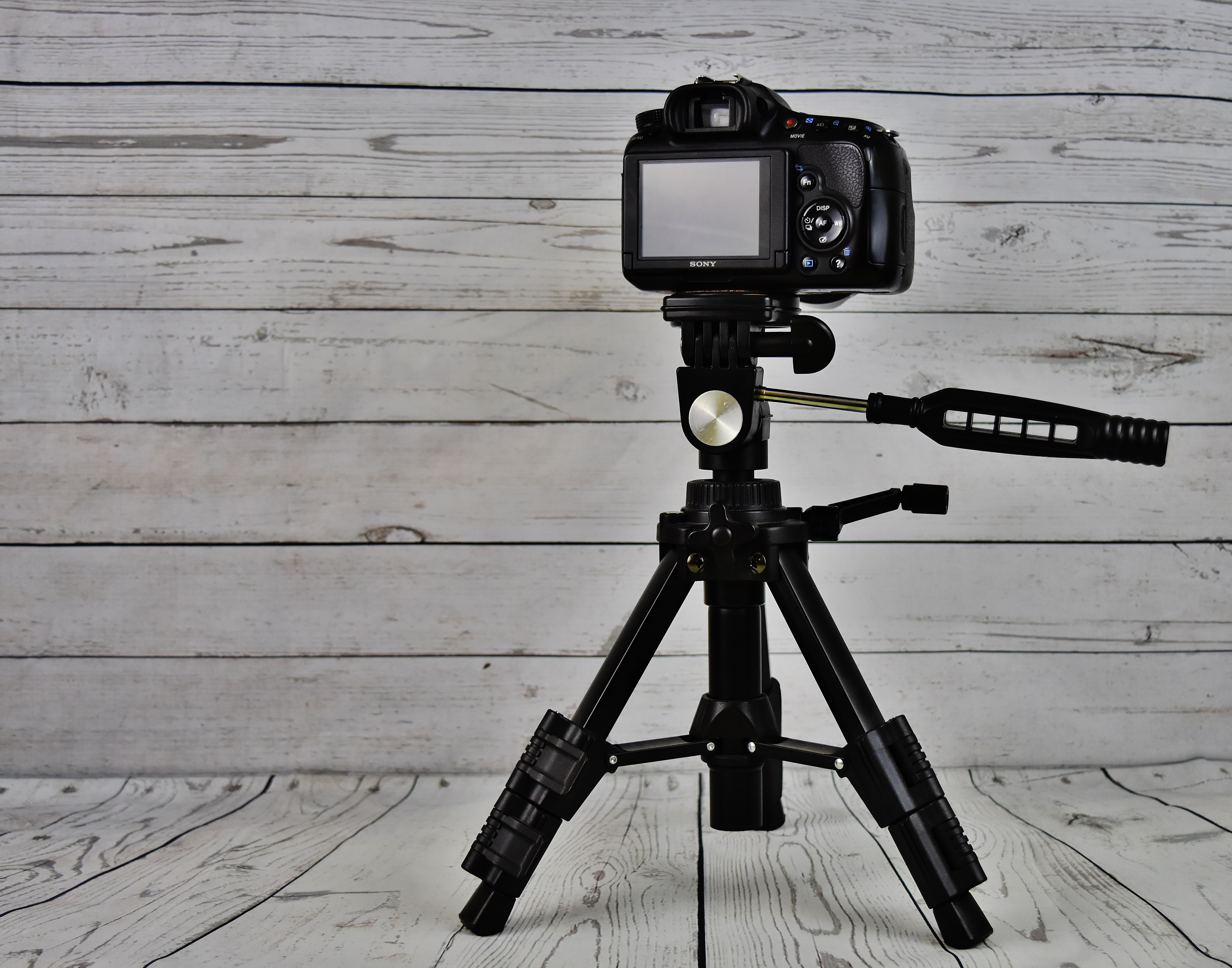 Best Camera Tripod Under $100 | Reviews for 2019